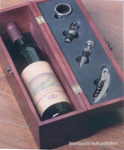 wein geschenkholzbox weinaufbewahrung holzkiste geschenk besteck flaschen ffner ebay. Black Bedroom Furniture Sets. Home Design Ideas