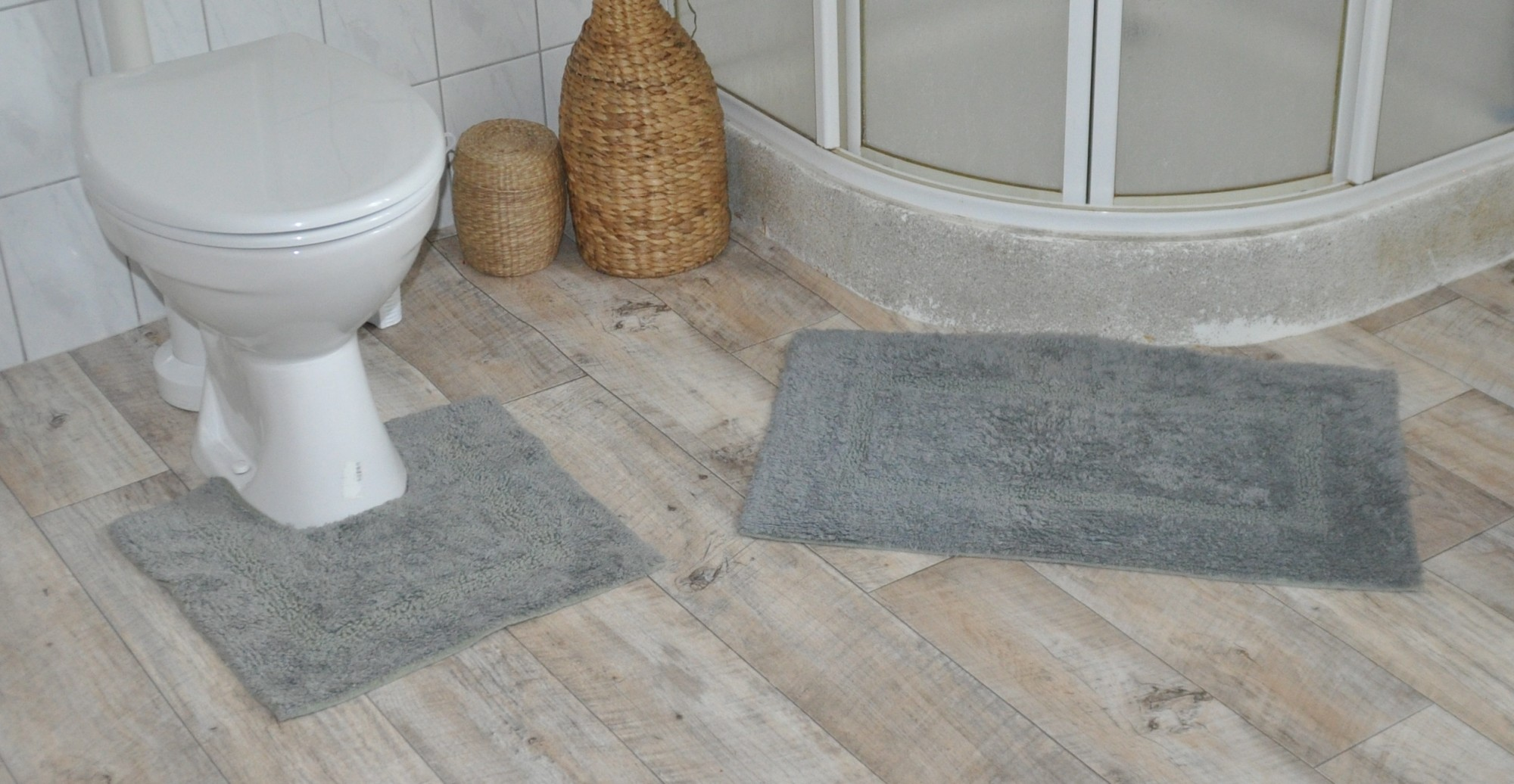 flauschiger wc vorleger 2tlg aus baumwolle badvorleger dusche badewanne teppich ebay. Black Bedroom Furniture Sets. Home Design Ideas